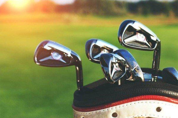 Los palos de golf los cambios y su evolución reflejan cómo el ser humano ha sido capaz de recrear diseños que han ayudado a mejorar el juego.